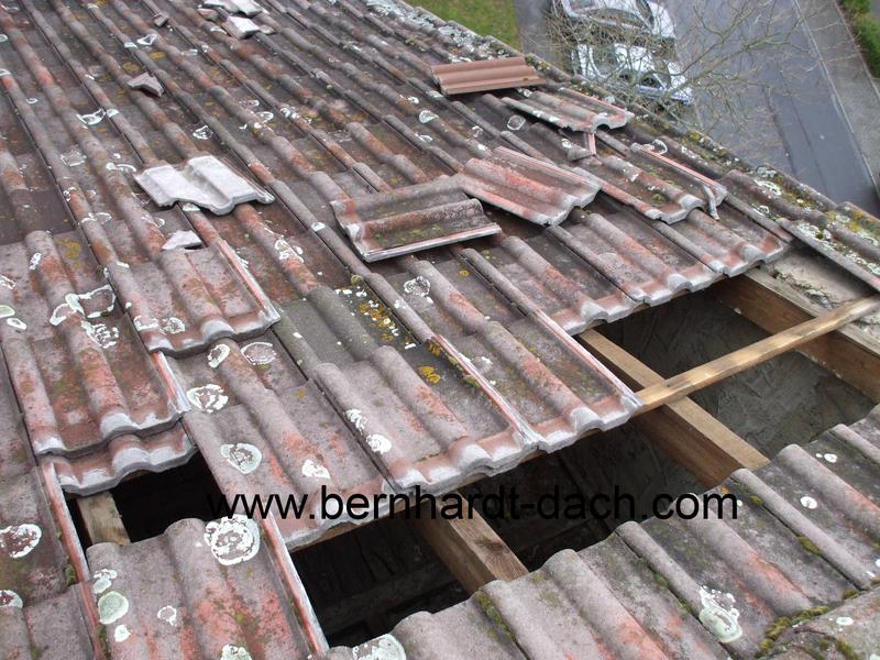 Sturm Wind Versicherung Schaden Dachfläche Dachdecker 60386 60385